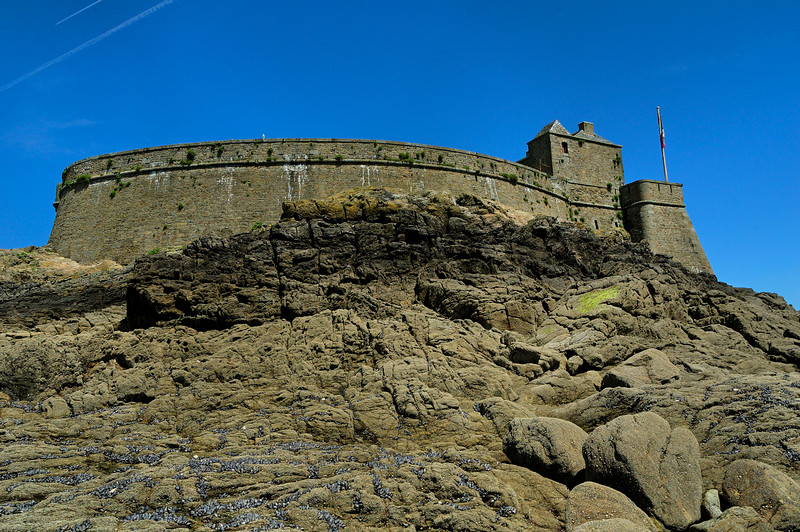 "Le fort du petit-be<br /> <br /> the ""fort du petit be"", an other fortification designed to protect Saint-Malo and its bay from invasion"