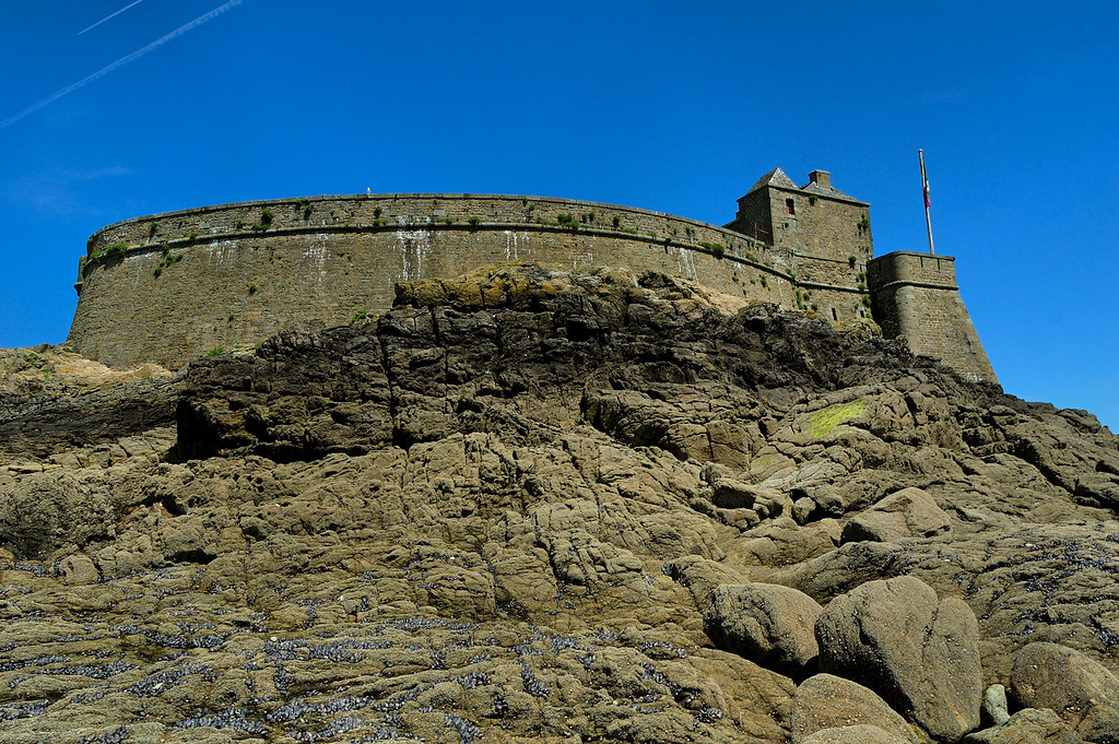 """Le fort du petit-be<br /> <br /> the """"fort du petit be"""", an other fortification designed to protect Saint-Malo and its bay from invasion"""