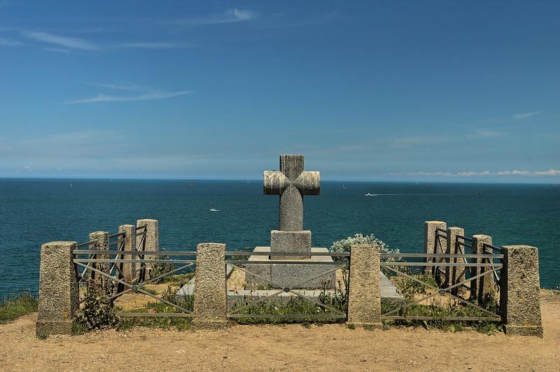 "La tombe de <a href=""""> Chateaubriand </a> <a href=""http://en.wikipedia.org/wiki/Fran%C3%A7ois-Ren%C3%A9_de_Chateaubriand""> Chateaubriand's grave  </a>"