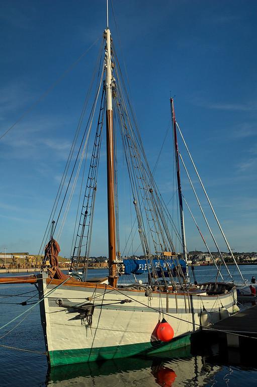 Bateau dans le port de plaisance, Saint-Malo