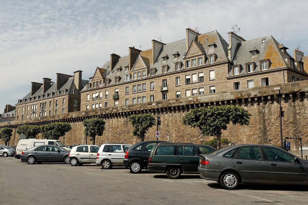 Saint-Malo's fortification (land side