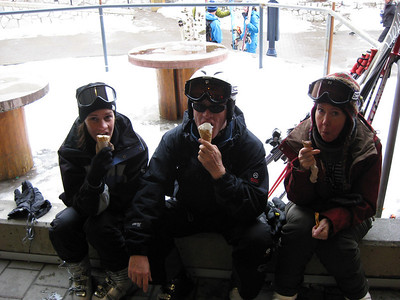 Cath, June and David outside Rocky Mountian Chocolate Shop mmmmm ice cream mmmmm