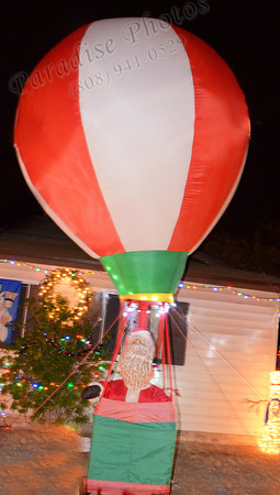 Santa hot air balloon1440