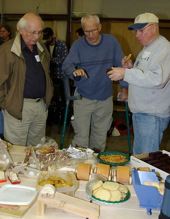 "<font size=""3"">Checking out the toys and snacks</font> <br>Return to <a href=""http://www.omahawoodworkers.com/"">Woodworkers Guild</a><br>"