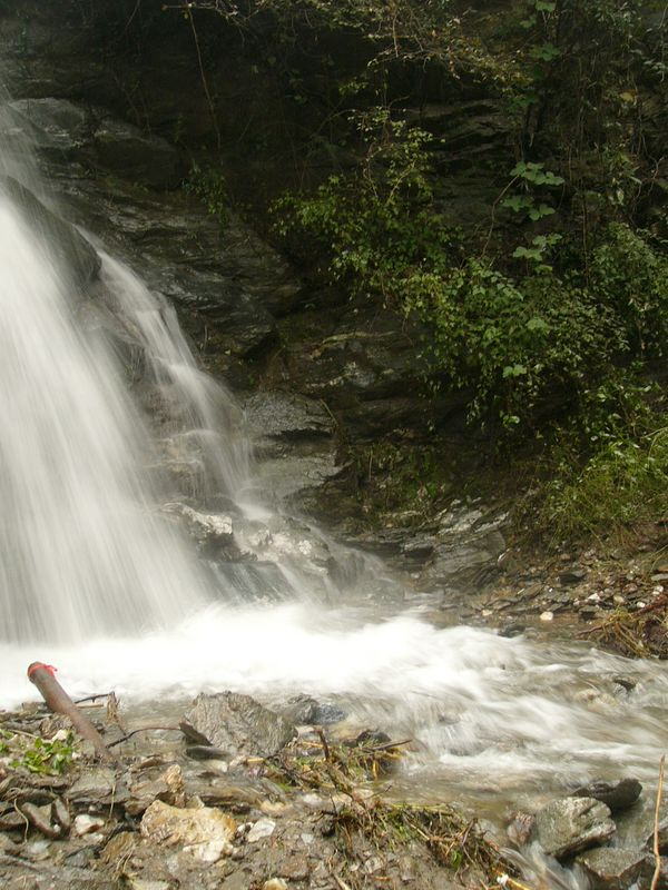 05Oct05_1559 The same waterfall at LouGuanTai