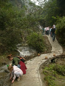 05Oct05_1555 LouGuanTai stream. Pretty handy to wash my shoes, after trudging through all those muddy tracks!