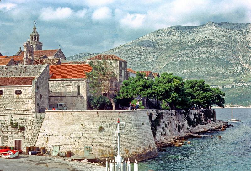 hvar - ferry from dubrovnik - stopover at korcula (2)