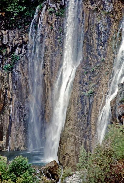 plitvice park - high waterfall