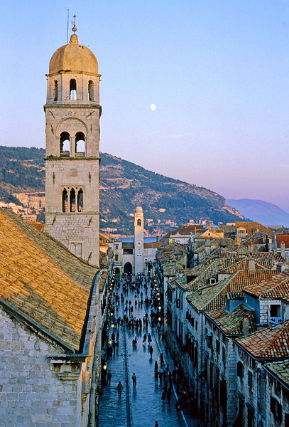 dubrovnik - view of main street from walls (2)