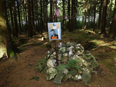 Memorial to an american and german soldier found in the same area