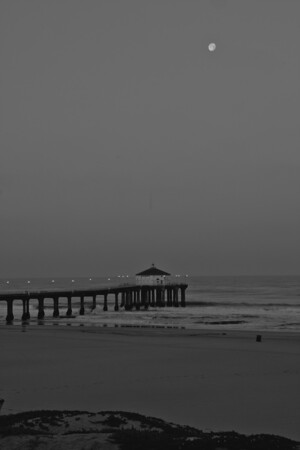 Manhattan Beach Pier, Manhattan Beach, CA. Sunrise 5/19/11.