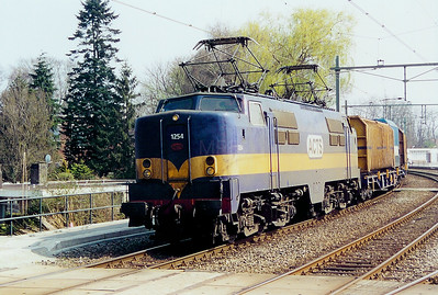 ACTS, 1254 at Hengello on 13th April 2003