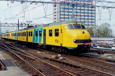 931 at Amsterdam Central on 5th April 2003