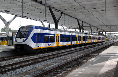 2639 at Rotterdam Centraal on 10th July 2011