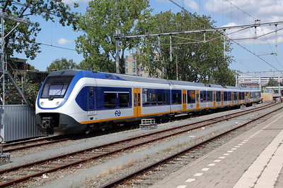 2) 2610 (uic NS NL 94 84 4951 004-9) at Rotterdam Centraal on 9th July 2011