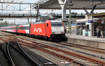 186 120 at Rotterdam Centraal on 10th July 2011
