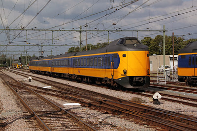 4221 at Roosendaal on 9th July 2011
