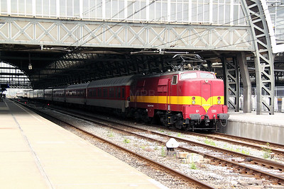 2) EETC, 1251 (NL-EETC 91 84 11 12 051-5) at Amsterdam Central on 11th June 2012