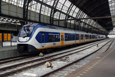 2450 (NL NS 94 84 4950 050-3) at Amsterdam Central on 11th June 2012