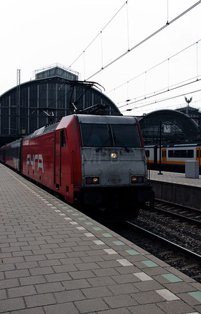 186 112 (91 84 1186 112-6 NL-HSA) at Amsterdam Central on 11th June 2012