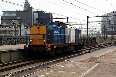 1) Volker Rail, 203-5 (92 84 2284 605-7) at Amsterdam Central on 11th June 2012