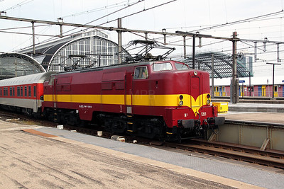 4) EETC, 1251 (NL-EETC 91 84 11 12 051-5) at Amsterdam Central on 11th June 2012