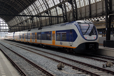 1) 2466 (NL NS 94 84 4951 066-8) at Amsterdam Central on 11th June 2012