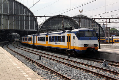 2949 at Amsterdam Central on 11th June 2012