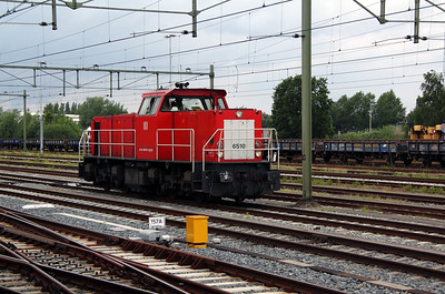 1) 6510 (92 84 2006 510-6 NL-RN) at Roosendaal on 11th June 2012