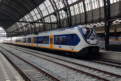 2418 (NL NS 94 84 4951 018-9) at Amsterdam Central on 11th June 2012