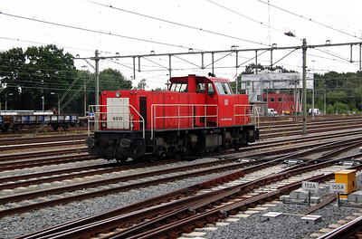 2) 6510 (92 84 2006 510-6 NL-RN) at Roosendaal on 11th June 2012