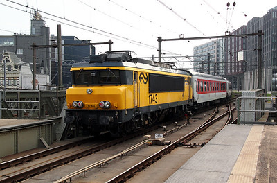 1743 at Amsterdam Central on 11th June 2012