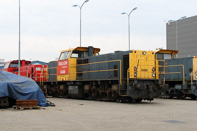 6466 (92 84 2006 466-1) at Waalhaven Zuid shunter depot on 29th September 2014 (2)