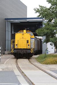 Shunter, 203 102 (92 84 2203 102-3 NL-SHTR) at Waalhaven Zuid shunter depot on 29th September 2014 (4)