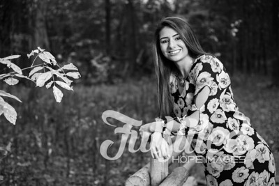 Holly Forbes Fall Senior Shoot (21)