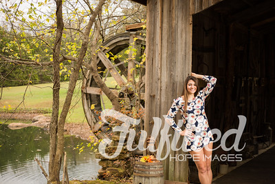 Holly Forbes Fall Senior Shoot (12)