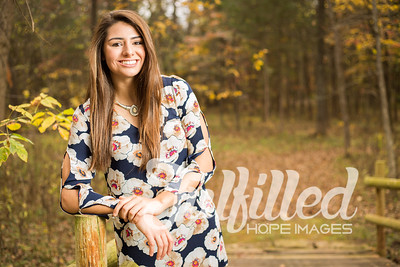Holly Forbes Fall Senior Shoot (18)