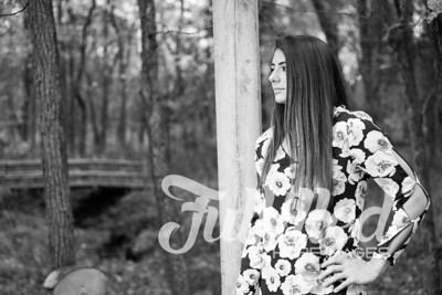 Holly Forbes Fall Senior Shoot (17)