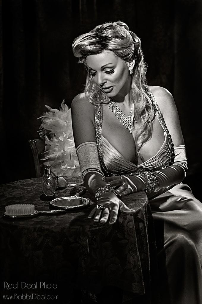 https://realdealphotography.smugmug.com/HollywoodGlamour-1/Antoinette/i-4PFvGwG/0/X3/RDP_6753-BW-X3.jpg