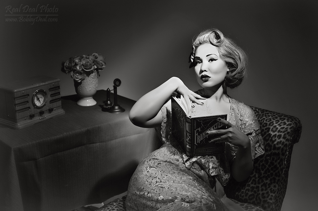 https://realdealphotography.smugmug.com/HollywoodGlamour-1/Moxie-McCabre/i-BJjGJCk/1/X3/RDP_8677-X3.jpg