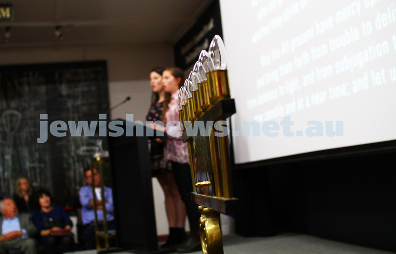 27-1-15. Holocaust Memorial Day. 70th anniversary of the liberation of Auschwitz. Commemoration at the Melbourne Holocaust Museum and Research Centre.  Photo: Peter Haskin