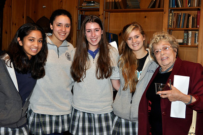 Holton Seniors with Sallie Alexander, '51, Former Chair of English Department and Trustee Emerita
