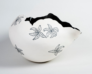 2_Anderson_Black and White Coiled Vessel