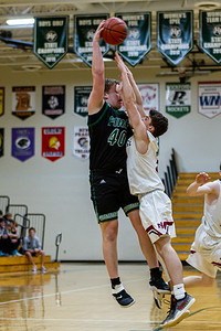 Holy Family's Seth Thompson '20 (40) vs. New Prague - Collin Nawrocki/The Phoenix