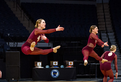 Holy Family's Elle Bernaski '21 and Abbey Hope '23 at 2020 MSHSL State Jazz Tournament Prelim - Collin Nawrocki/The Phoenix