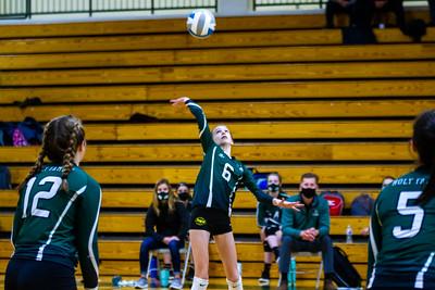Holy Family Volleyball beat Mound Westonka 3-0 on Thursday October 22, 2020 at Holy Family Catholic High School. Collin Nawrocki / The Phoenix