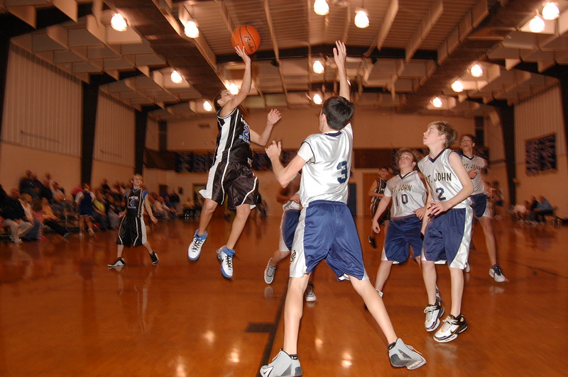 HFS  basketball 1-11-07 vs St  John 049