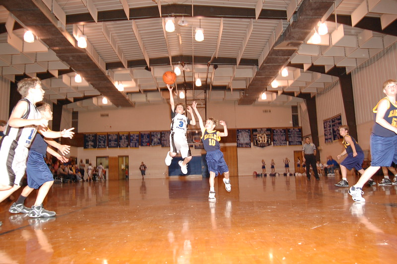 HFS  basketball 1-11-07 vs St  John 001
