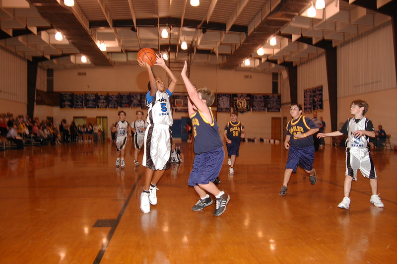 HFS  basketball 1-11-07 vs St  John 016