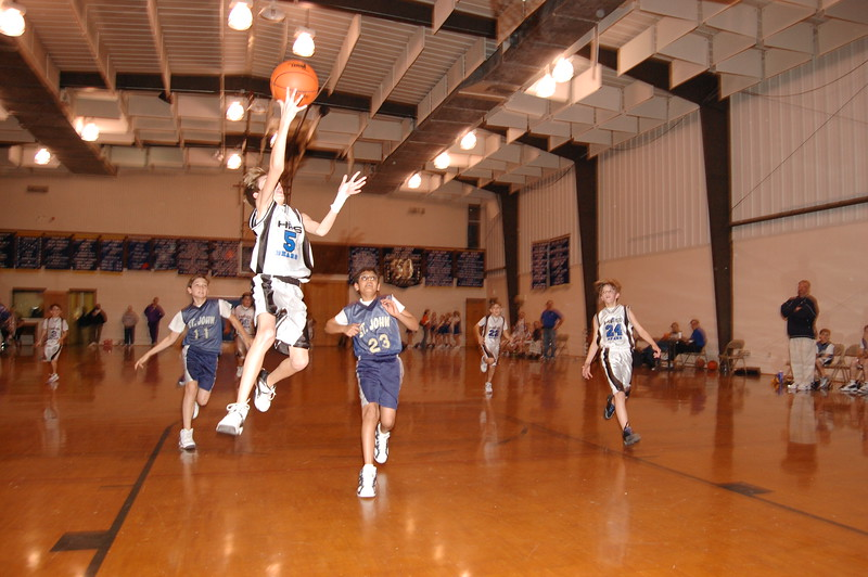 HFS  basketball 1-11-07 vs St  John 041